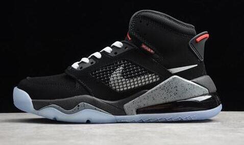 Jordan Mars 270气垫大童款篮球鞋 黑银折后价$91