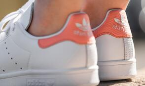 Adidas Stan Smith女款珊瑚粉休闲鞋折后价$33.99
