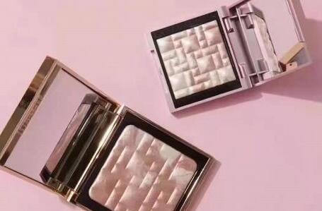 升级!Bobbi brown2021春夏粉金限定高光pink glow正装$48 mini款$25 凑单满减